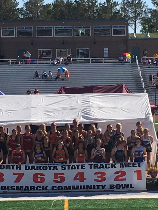 Girls 4x400 meter relay podium