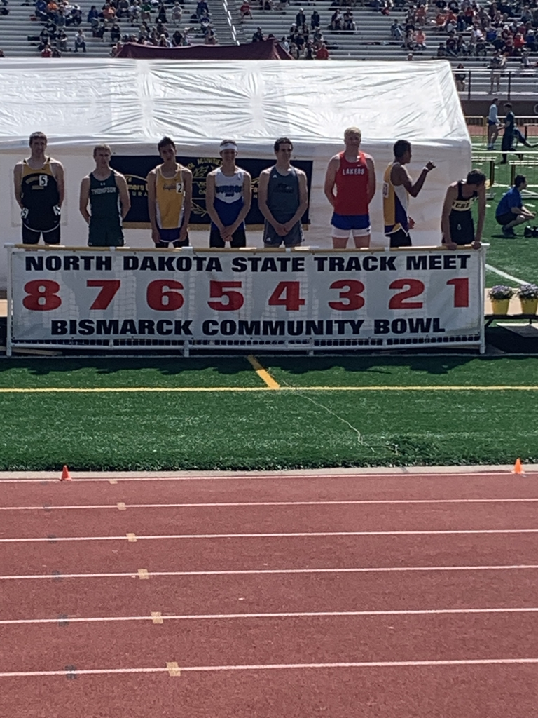 Chase finishes 5th in the 800 meter run at state track