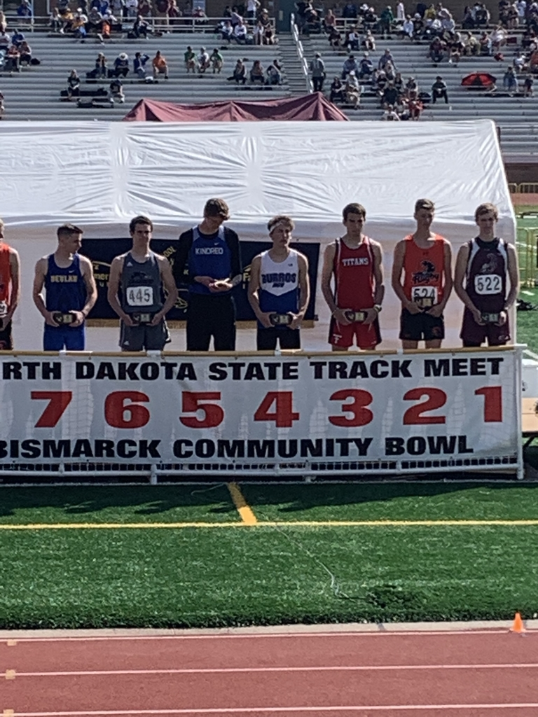 Ezra places 4th in the high jump at state track