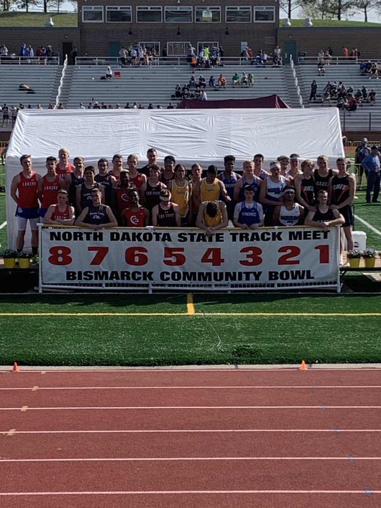 Boys take 2nd in the 4x400 relay at state track. Team members are Benson, Longthorne, Fossum and Luithle